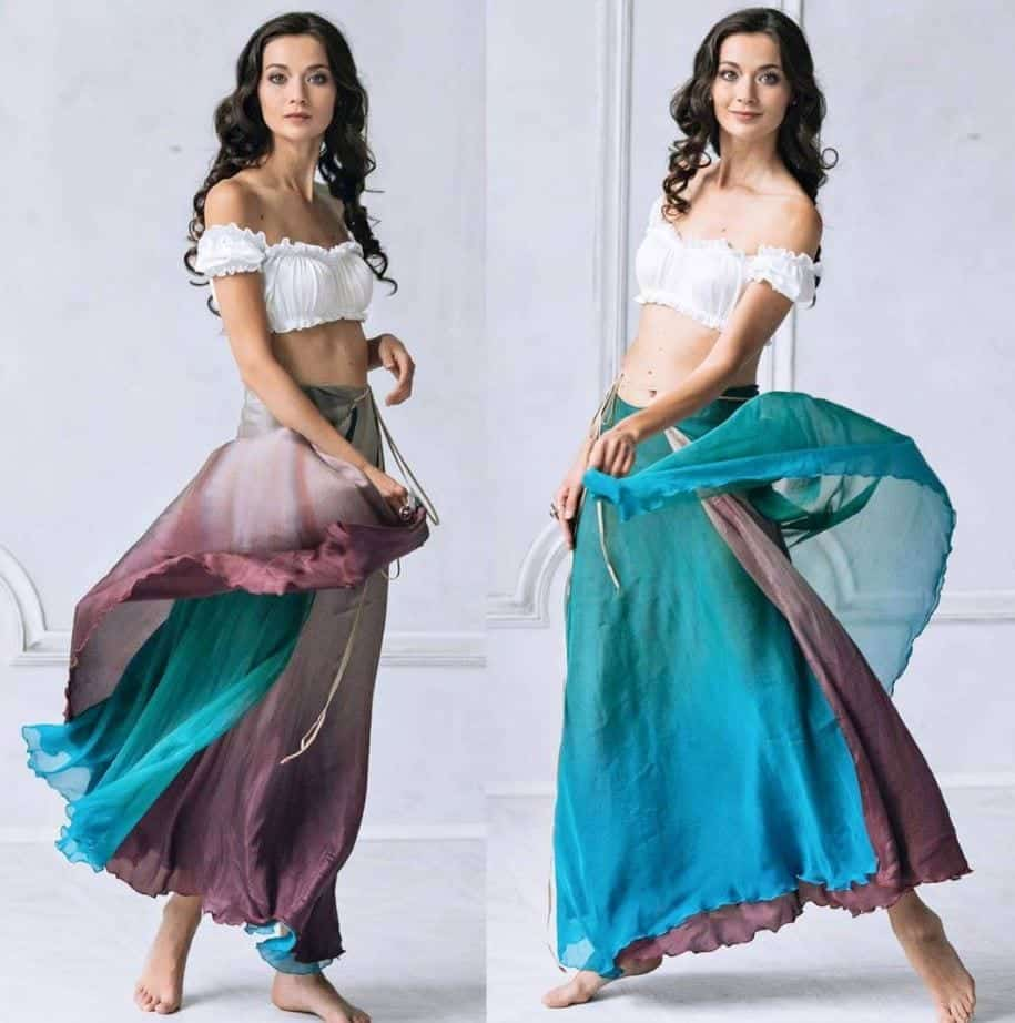 Ways to Wear a Wrap Skirt in Style (17)