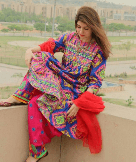Party Outfits for Pakistani Girls (20)