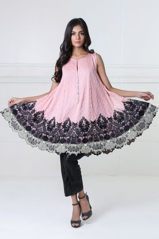 5dd1a908c1 30 Trending Party Outfits for Pakistani Girls