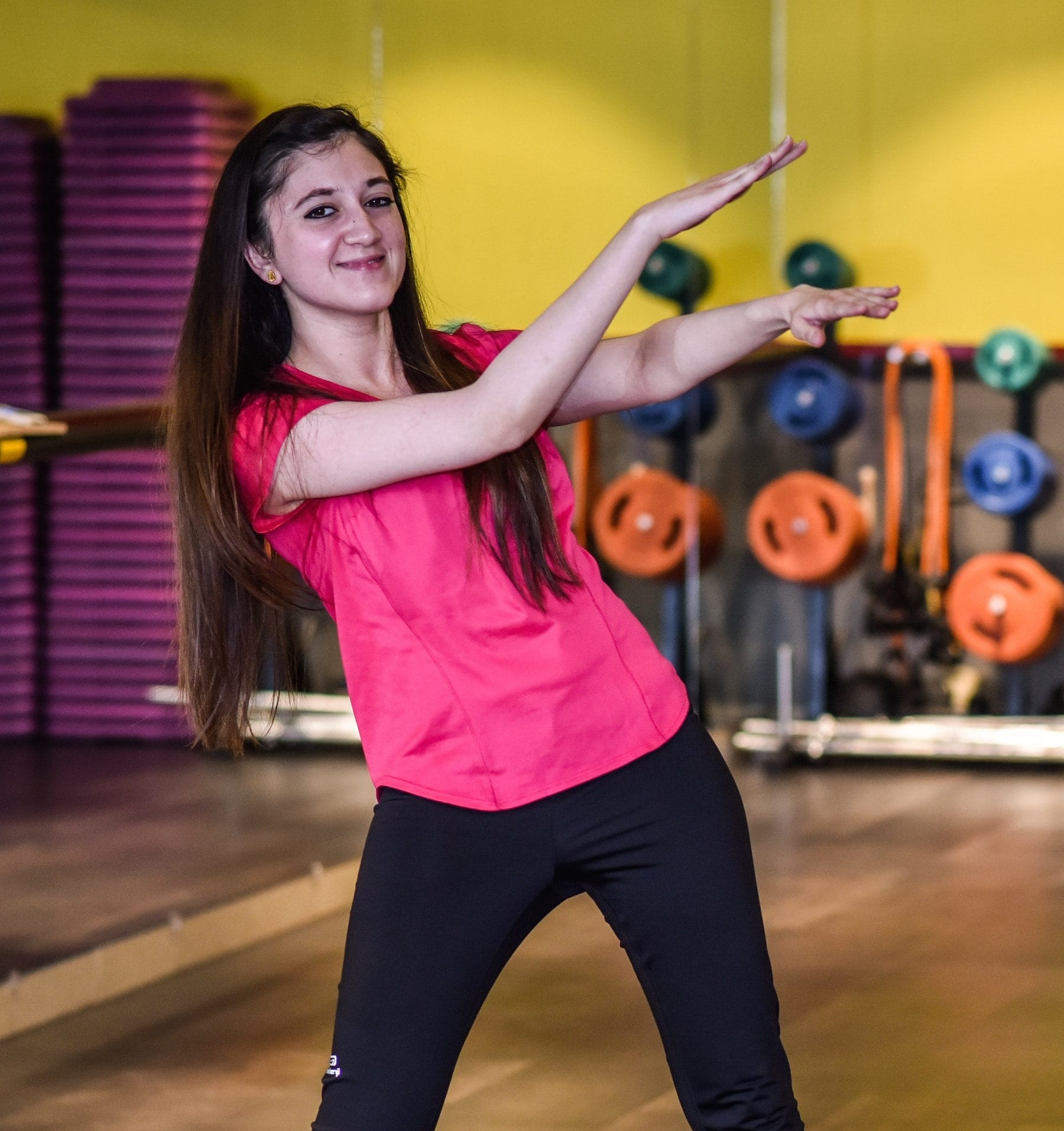 Sporty Outfits For Pakistani Girls-30 Cool Gym Looks For Girls
