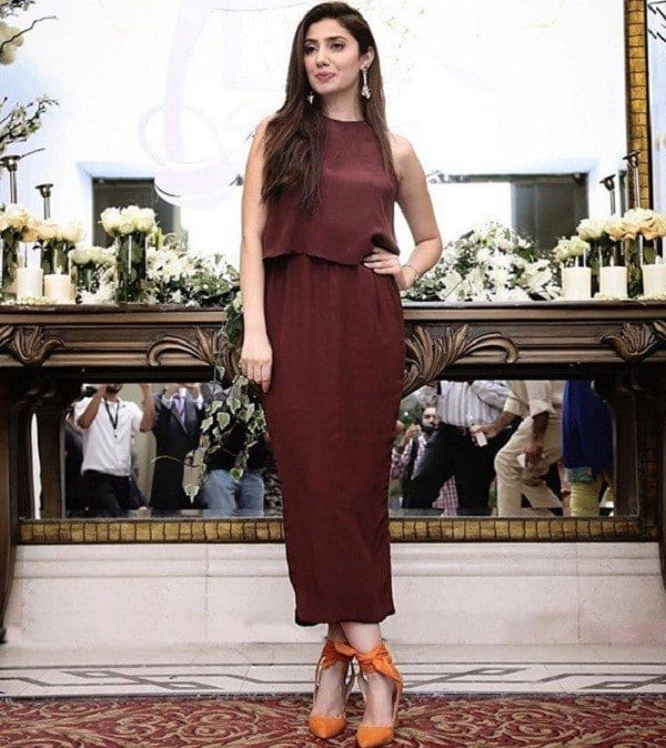c7c67cdef1d 30 Trending Party Outfits for Pakistani Girls