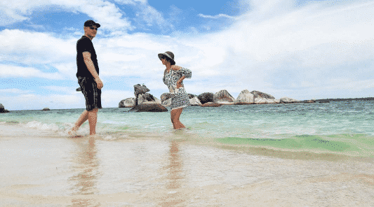 honeymoon outfits for men