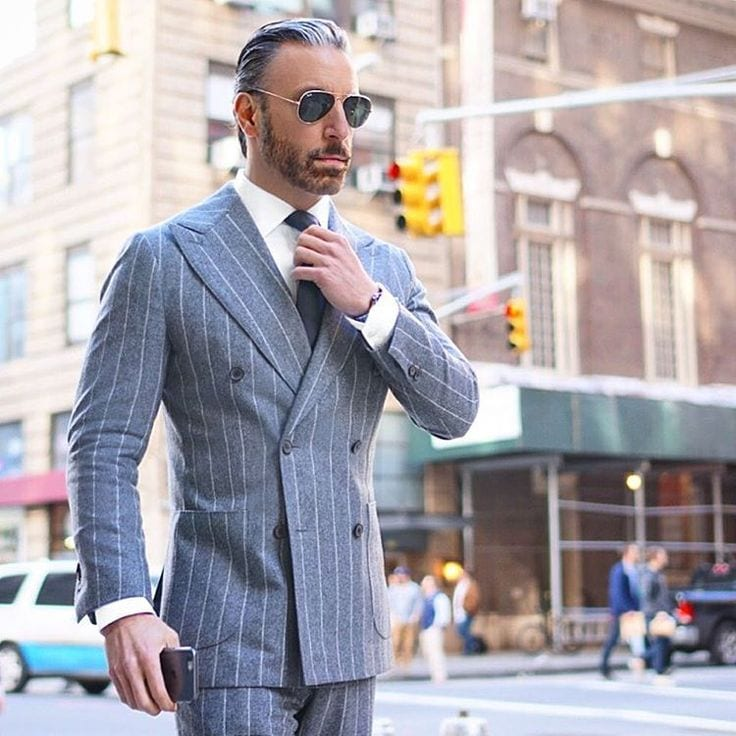 25 Ideas on How to Wear Double-Breasted Suits for Men
