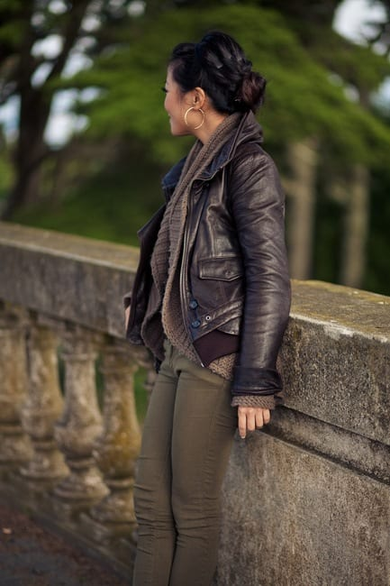 Leather bomber jacket outfits for women (24)