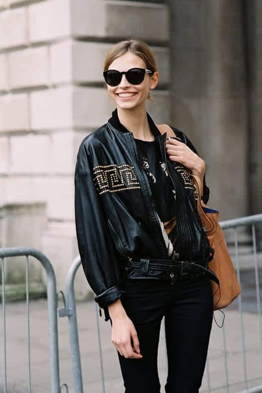 Leather bomber jacket outfits for women (13)