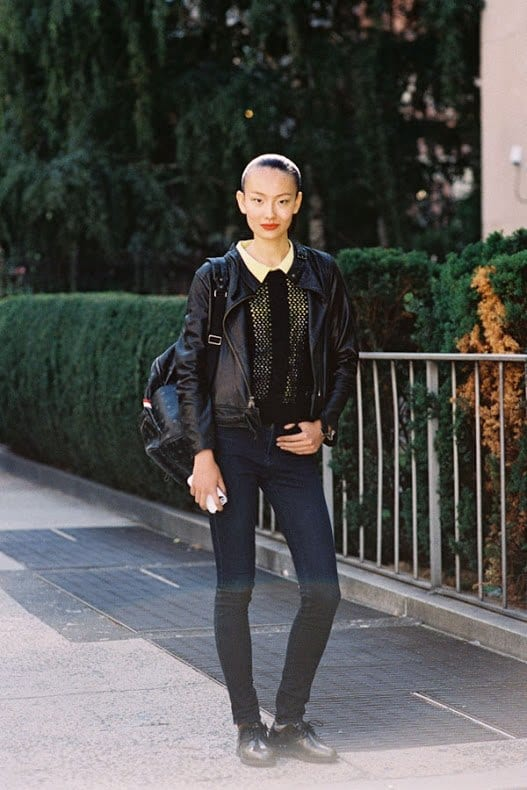 Leather bomber jacket outfits for women (10)
