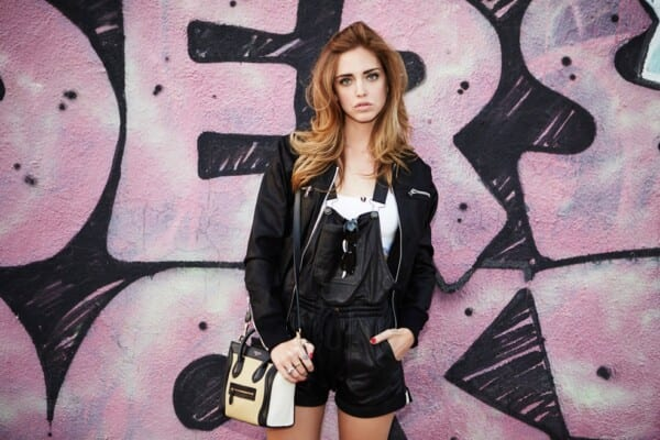 Leather bomber jacket outfits for women (22)