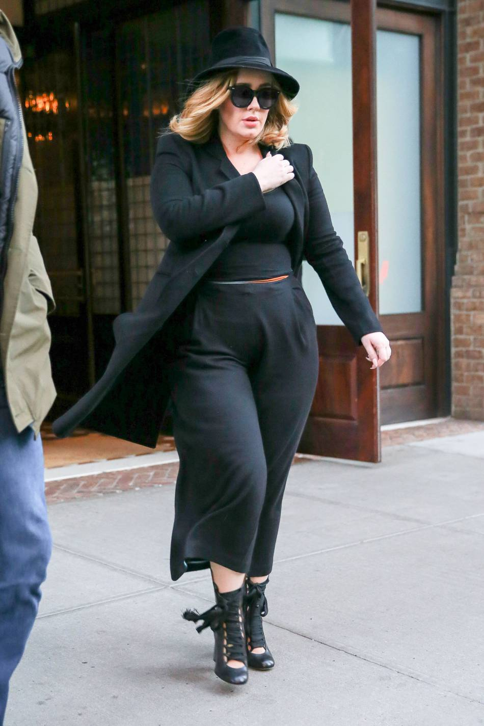 18 Best Plus Size Celebrities Outfit Ideas From This Year