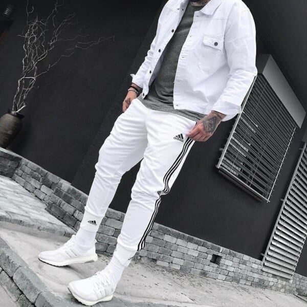 Outfits with White sneakers (14)