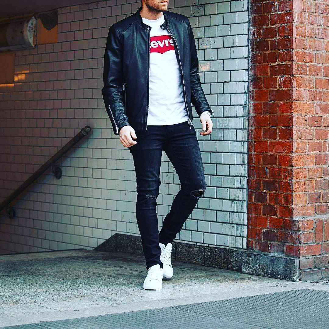 fe22ee796498 25 Outfits to Wear with White Sneakers for Men