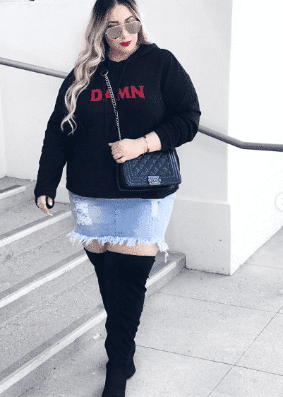 plus size denim skirt outfit