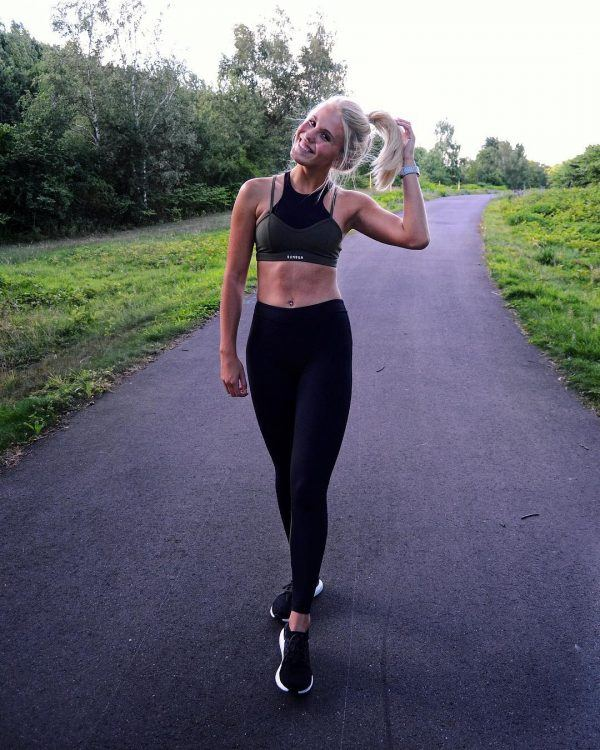 Hiking Outfits ideas for Women (29)