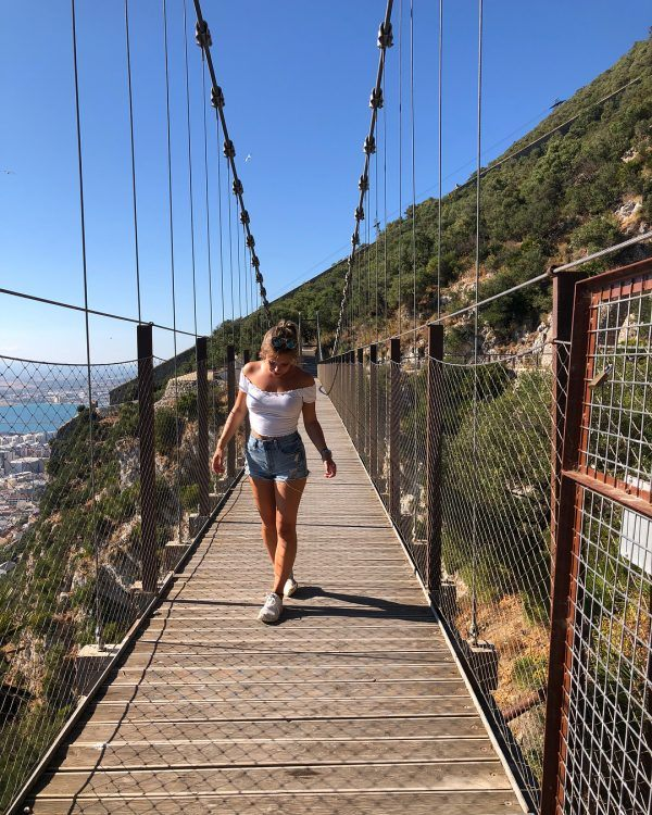 Hiking Outfits ideas for Women (26)