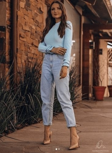 Outfits with Mom Jeans – 25 ways to wear Mom Jeans Fashionably (6)