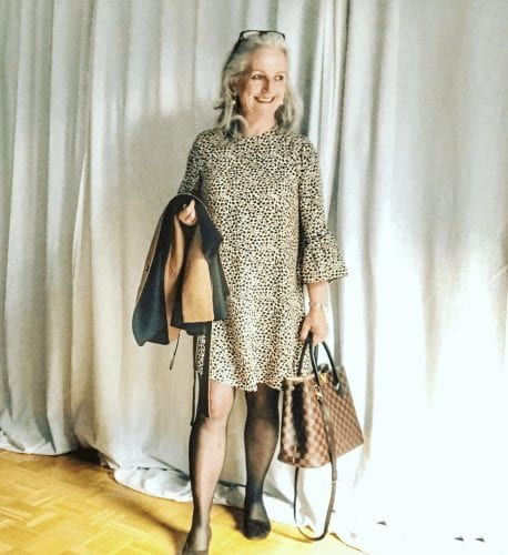 30 Best Traveling Outfits for Women over 50 (59)