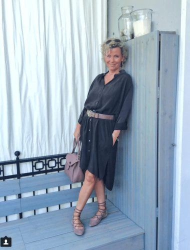 30 Best Traveling Outfits for Women over 50 (66)