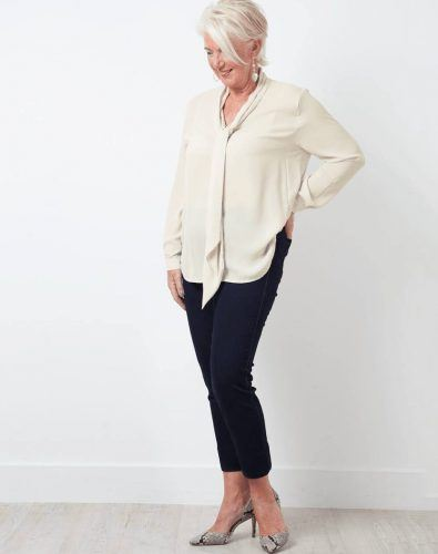 30 Best Traveling Outfits for Women over 50 (47)