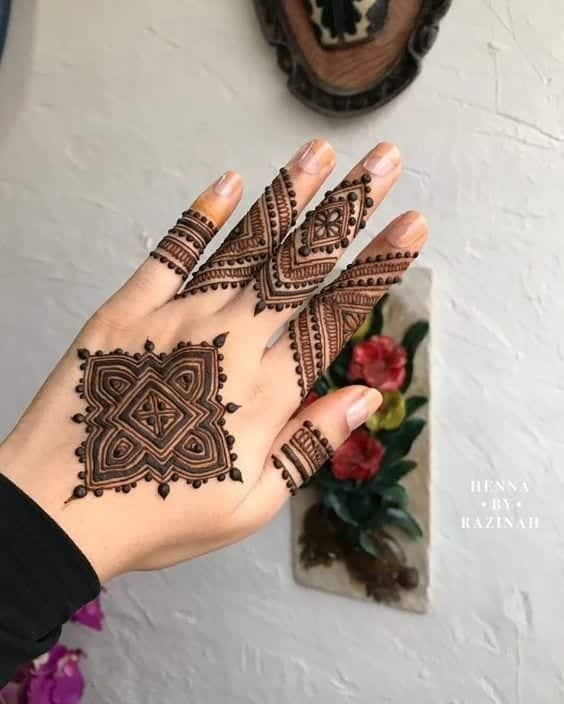 Engagement Mehndi Designs You Should Try (52)