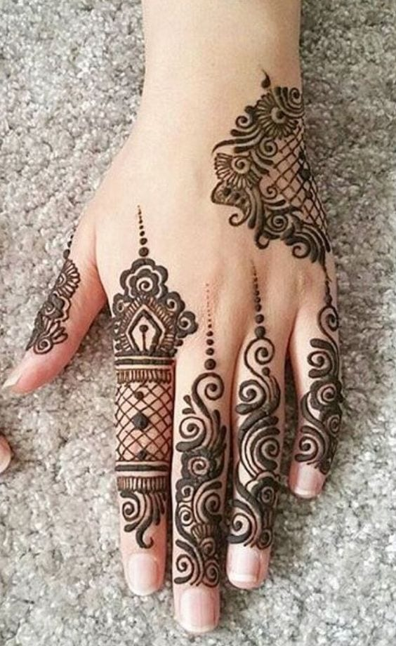 Engagement Mehndi Designs You Should Try (41)
