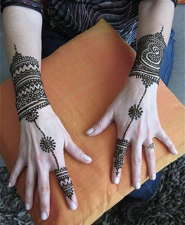 30 Best Bangle Mehndi Designs To Inspire You (21)