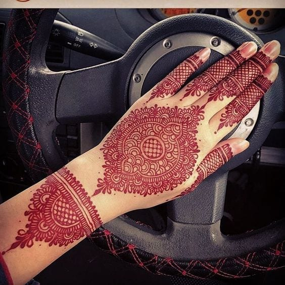 Engagement Mehndi Designs You Should Try (39)