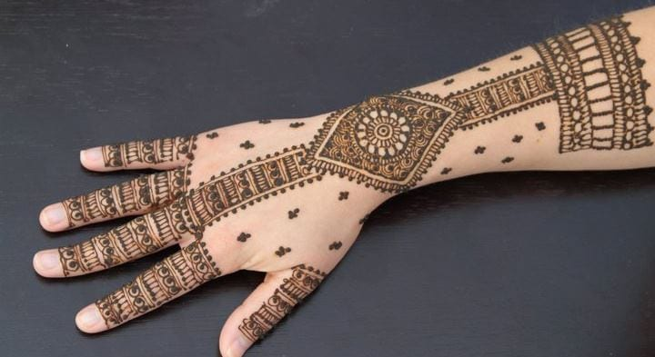 30 Best Bangle Mehndi Designs To Inspire You (18)