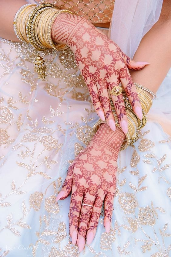 Engagement Mehndi Designs You Should Try (35)