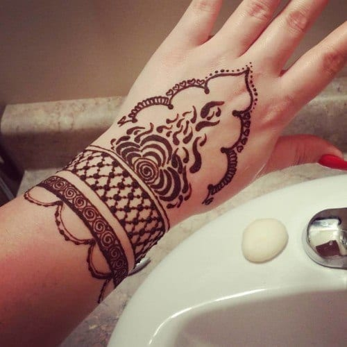 30 Best Bangle Mehndi Designs To Inspire You (15)