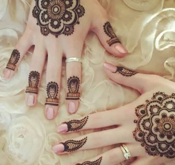Engagement Mehndi Designs You Should Try (29)