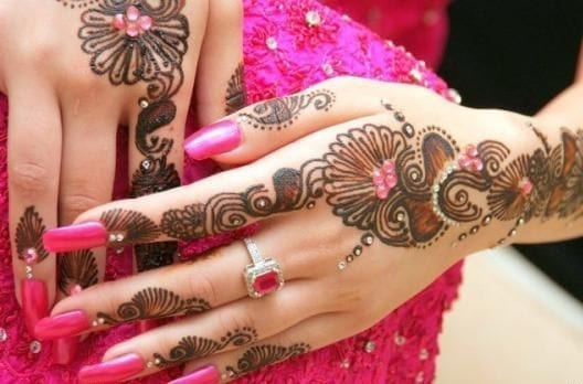 Engagement Mehndi Designs You Should Try (28)