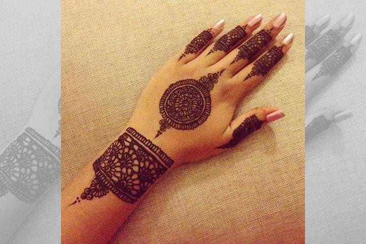 30 Best Bangle Mehndi Designs To Inspire You (8)