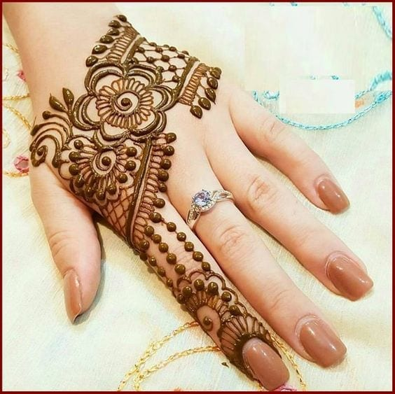 Engagement Mehndi Designs You Should Try (24)