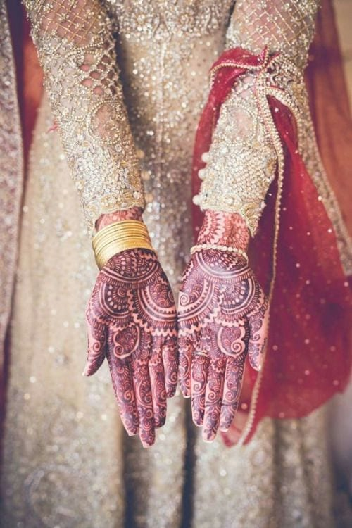 Engagement Mehndi Designs You Should Try (23)