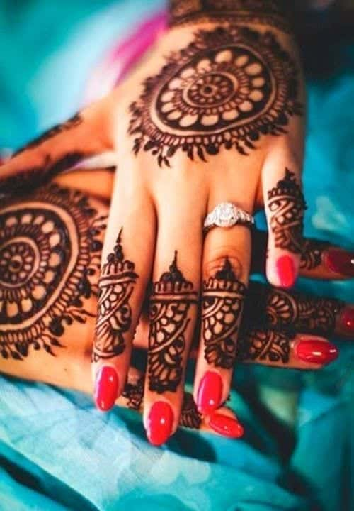 Engagement Mehndi Designs You Should Try (16)