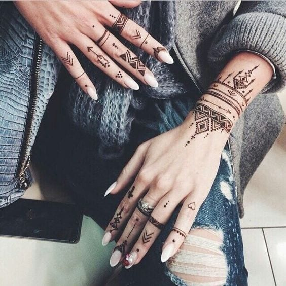 30 Best Bangle Mehndi Designs To Inspire You (30)