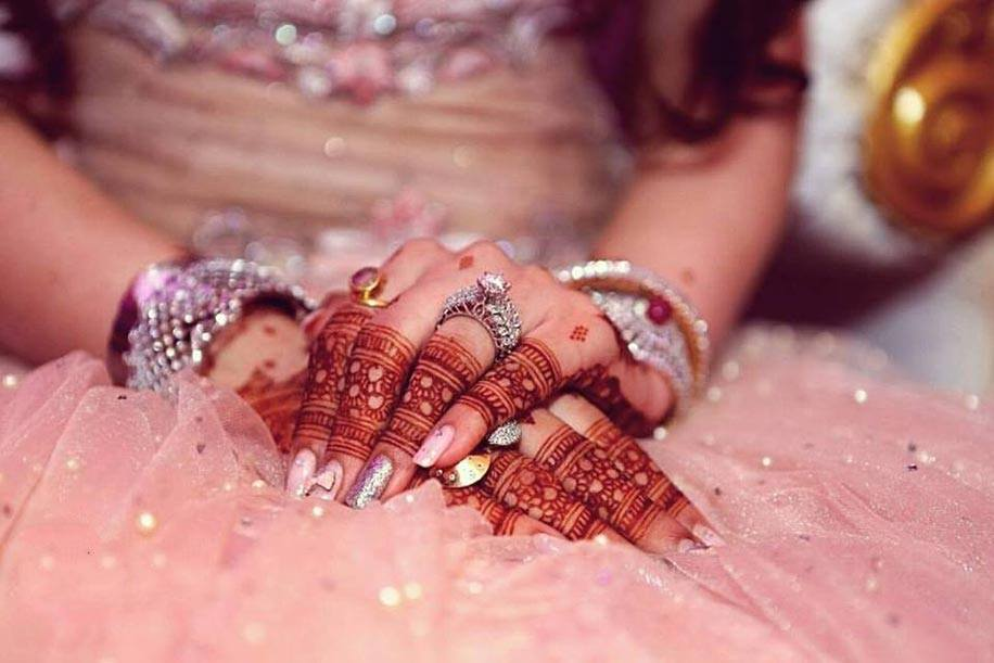 Engagement Mehndi Designs You Should Try (13)