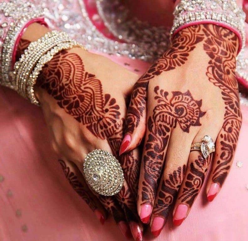 Engagement Mehndi Designs You Should Try (11)