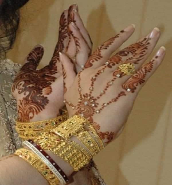 Engagement Mehndi Designs You Should Try (4)
