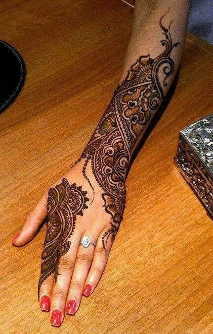 Engagement Mehndi Designs You Should Try (48)