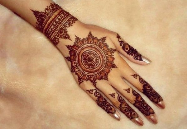 30 Best Bangle Mehndi Designs To Inspire You (26)