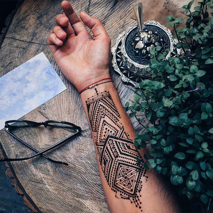 Eccentric Henna Trends - 30 Outlandish Mehndi Designs (1)