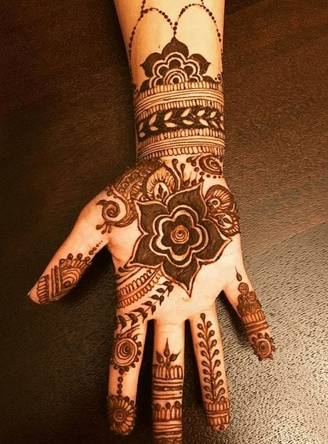 Mehndi Designs For Karva Chauth (21)