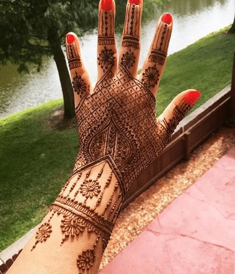 Mehndi Designs For Karva Chauth (17)