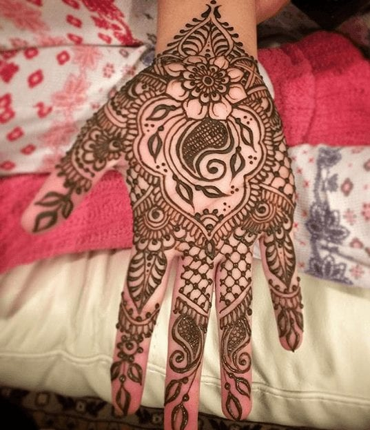 Mehndi Designs For Karva Chauth (25)