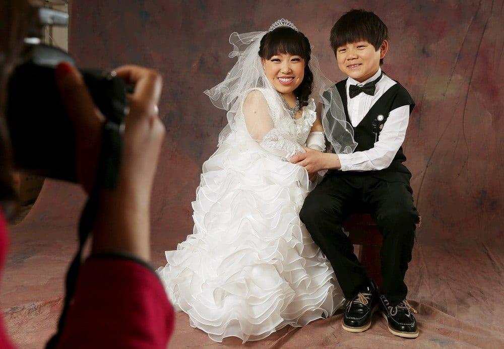 Most Romantic Little Couples (4)
