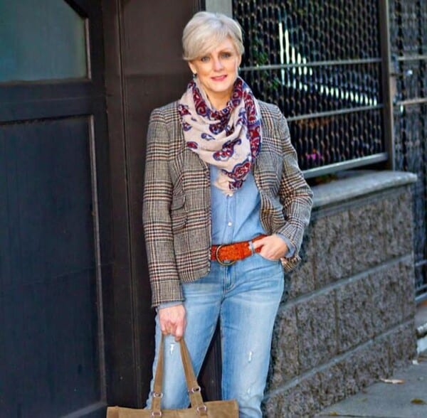 20 Best Accessories for Women Over 60 - All Seasons (3)