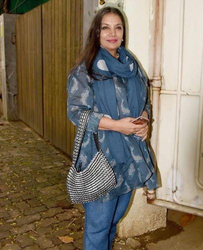 Indian Celebrity Outfit Ideas for Women Over 50 (6)