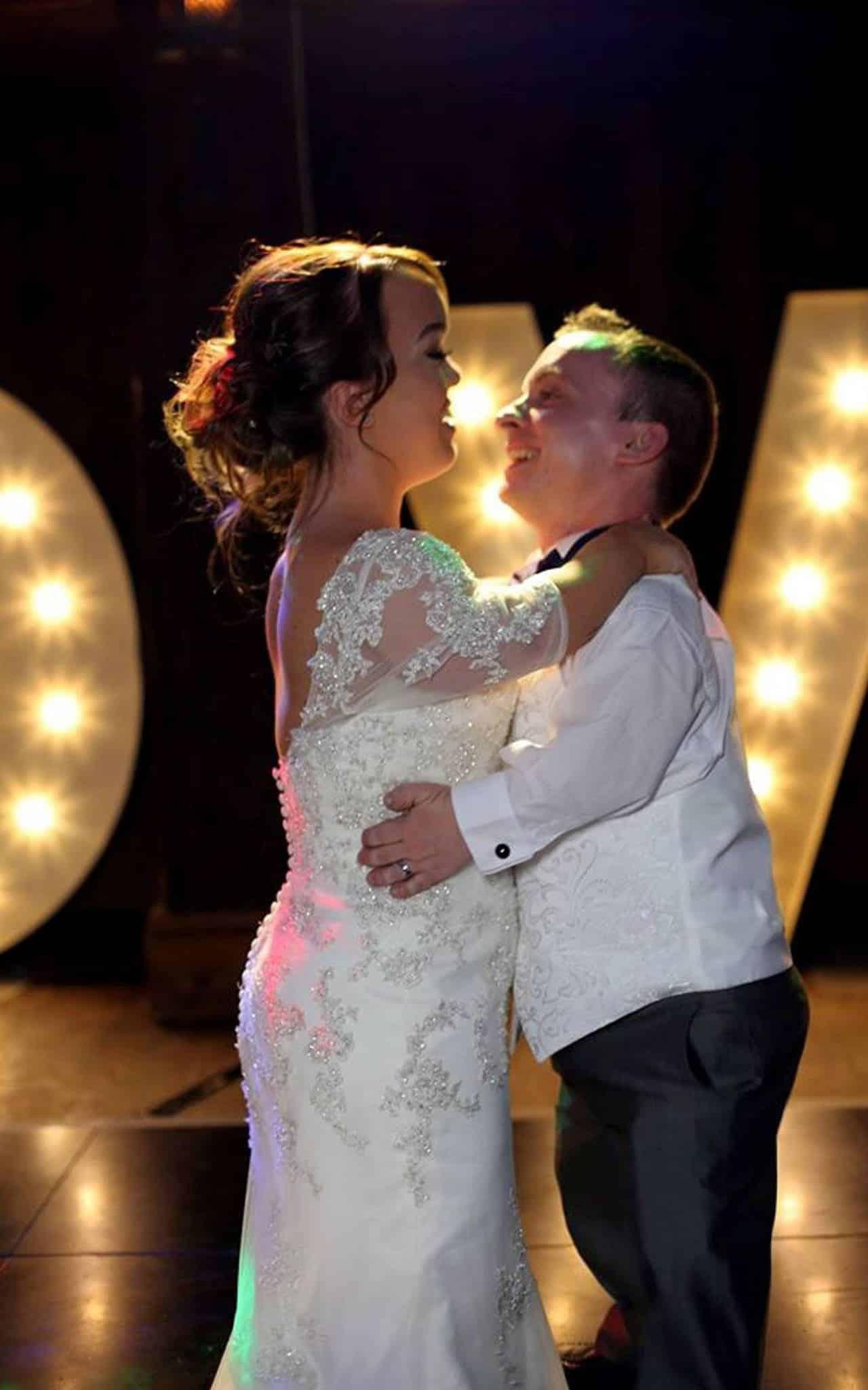 Most Romantic Little Couples (3)