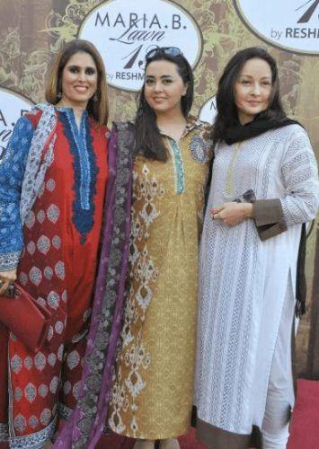 Women Over 50 Pakistani Celebrities Fashion - 20 Outfit Ideas (14)