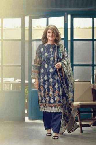 Women Over 50 Pakistani Celebrities Fashion - 20 Outfit Ideas (20)